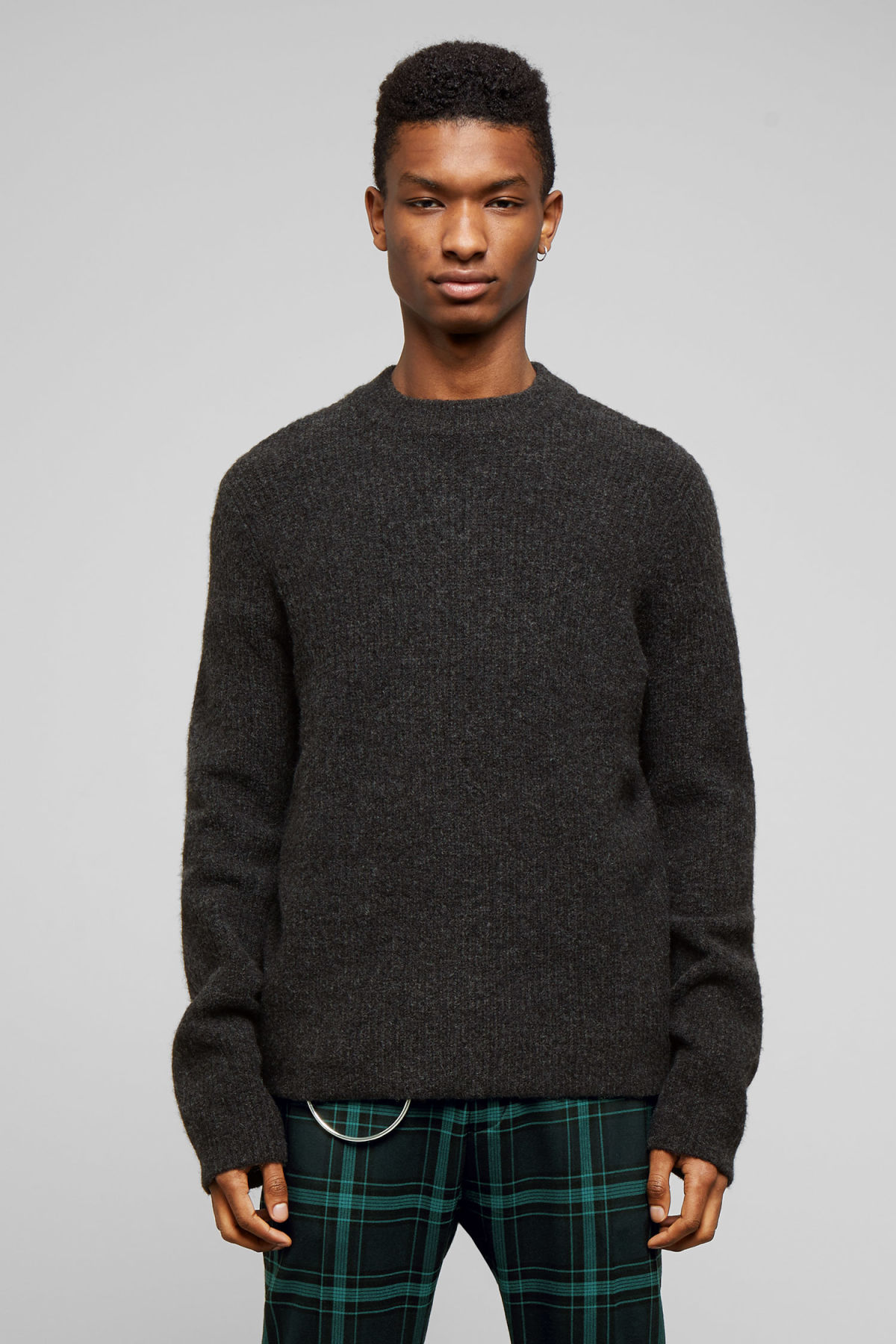 Model front image of Weekday mino sweater in black