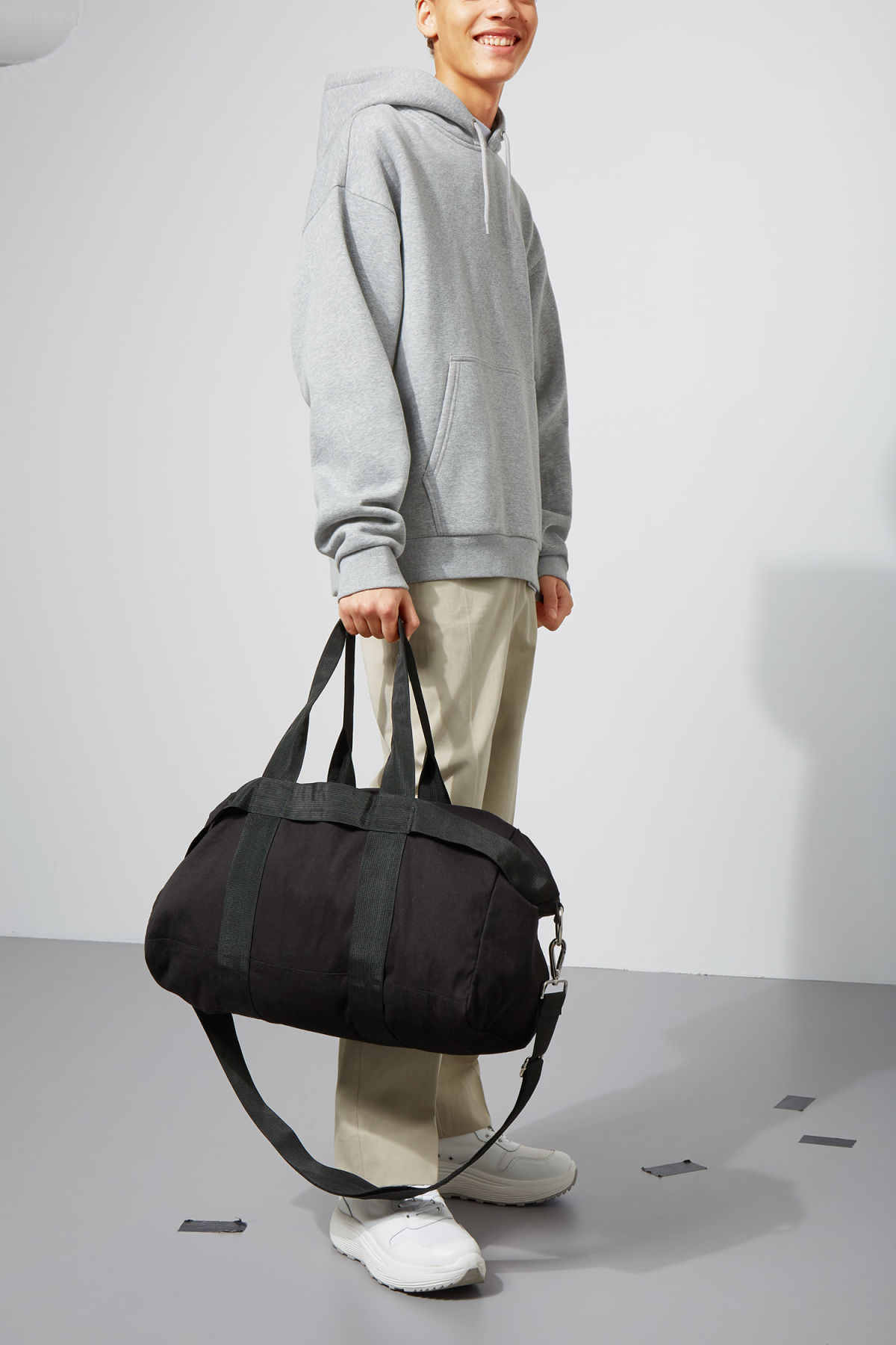 Model front image of Weekday forest weekend bag in black
