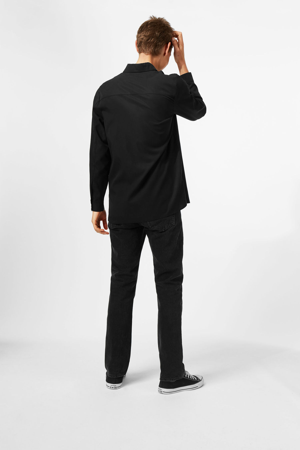 Model back image of Weekday hudson shirt in black