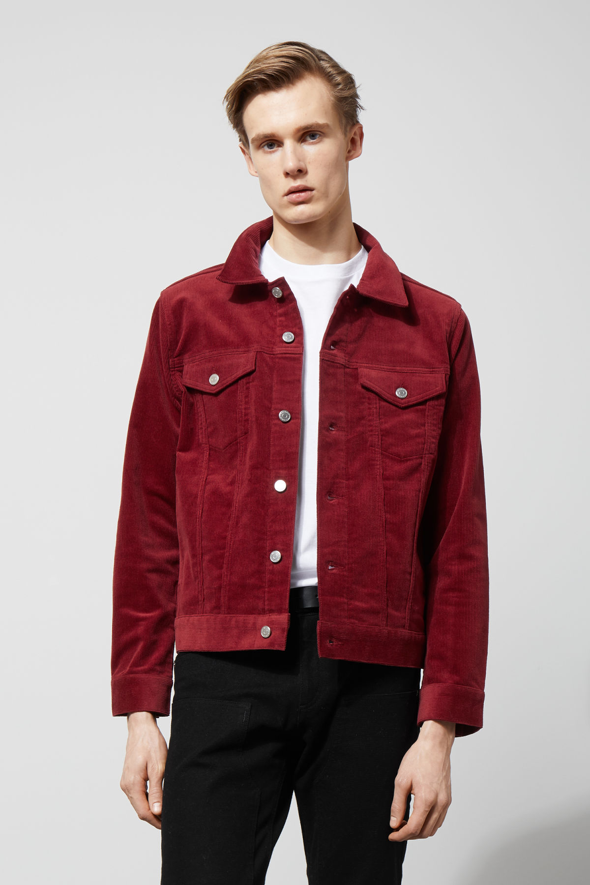 Model front image of Weekday single corduroy jacket in red