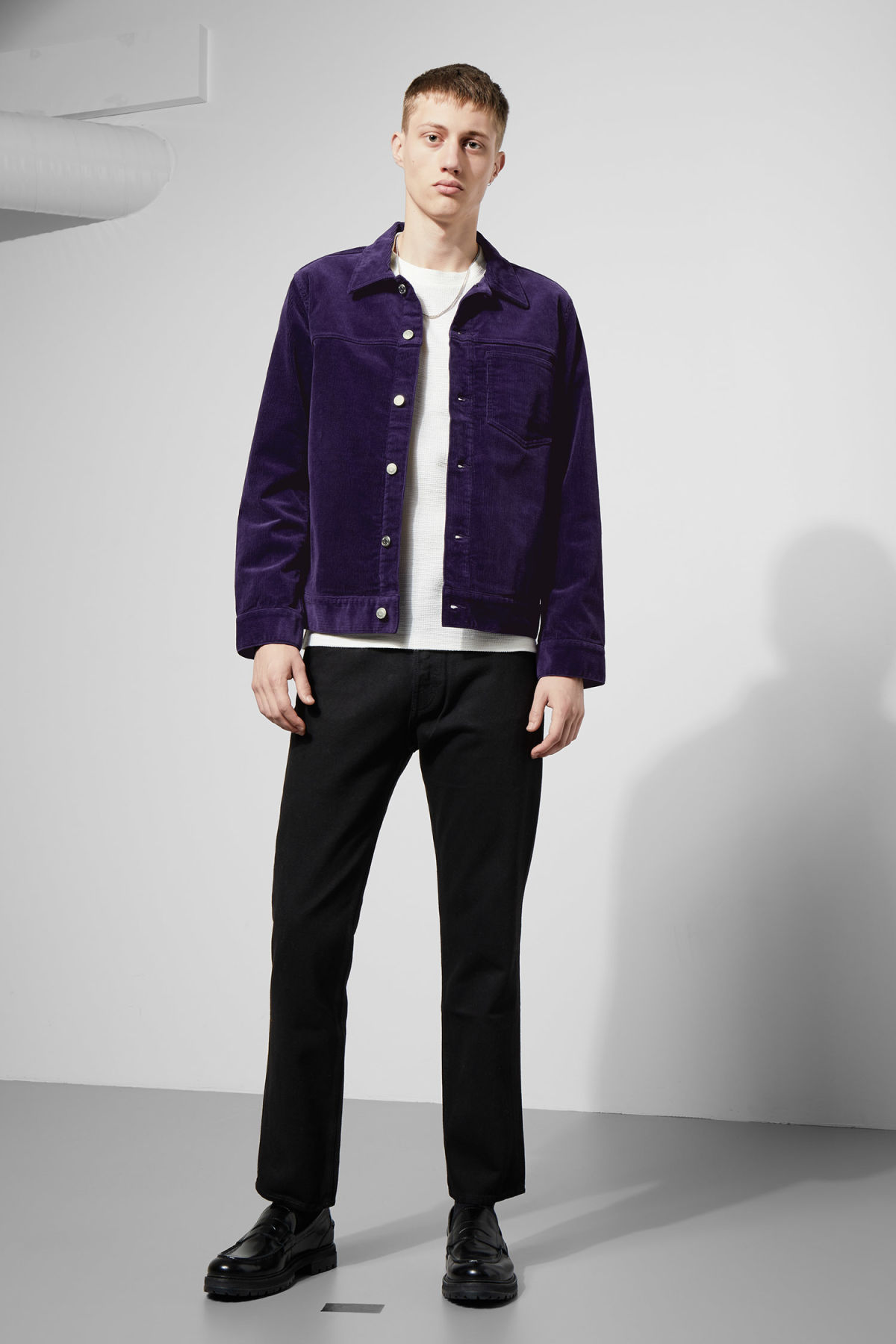 Model back image of Weekday single corduroy jacket in purple
