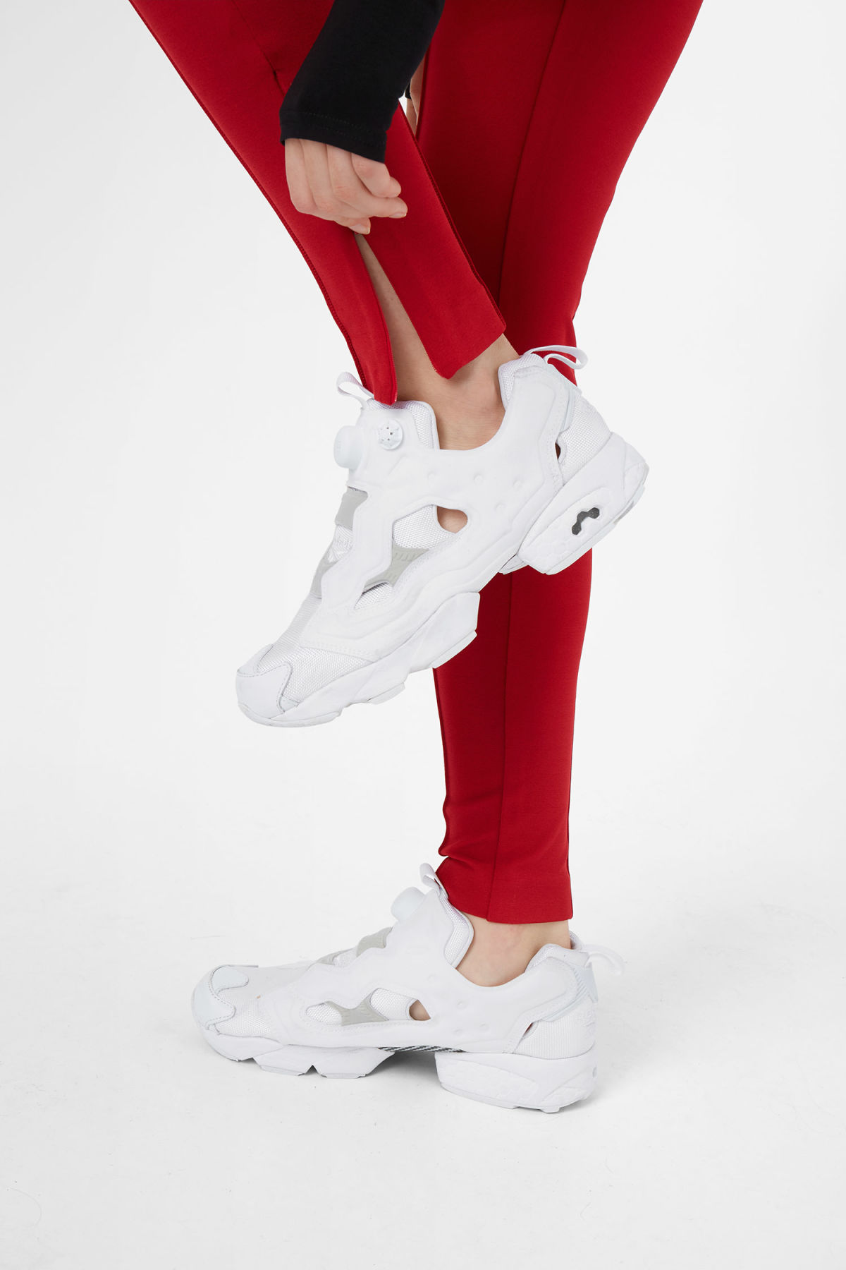 Model side image of Weekday saabira trousers in red