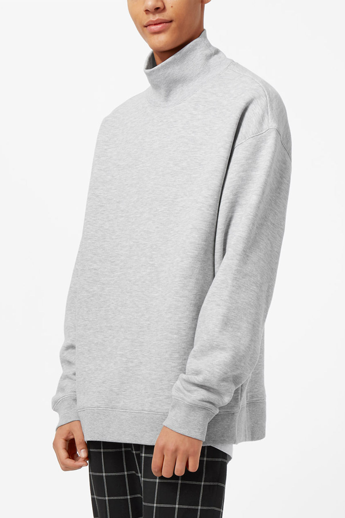 Model front image of Weekday big turtleneck sweatshirt in grey