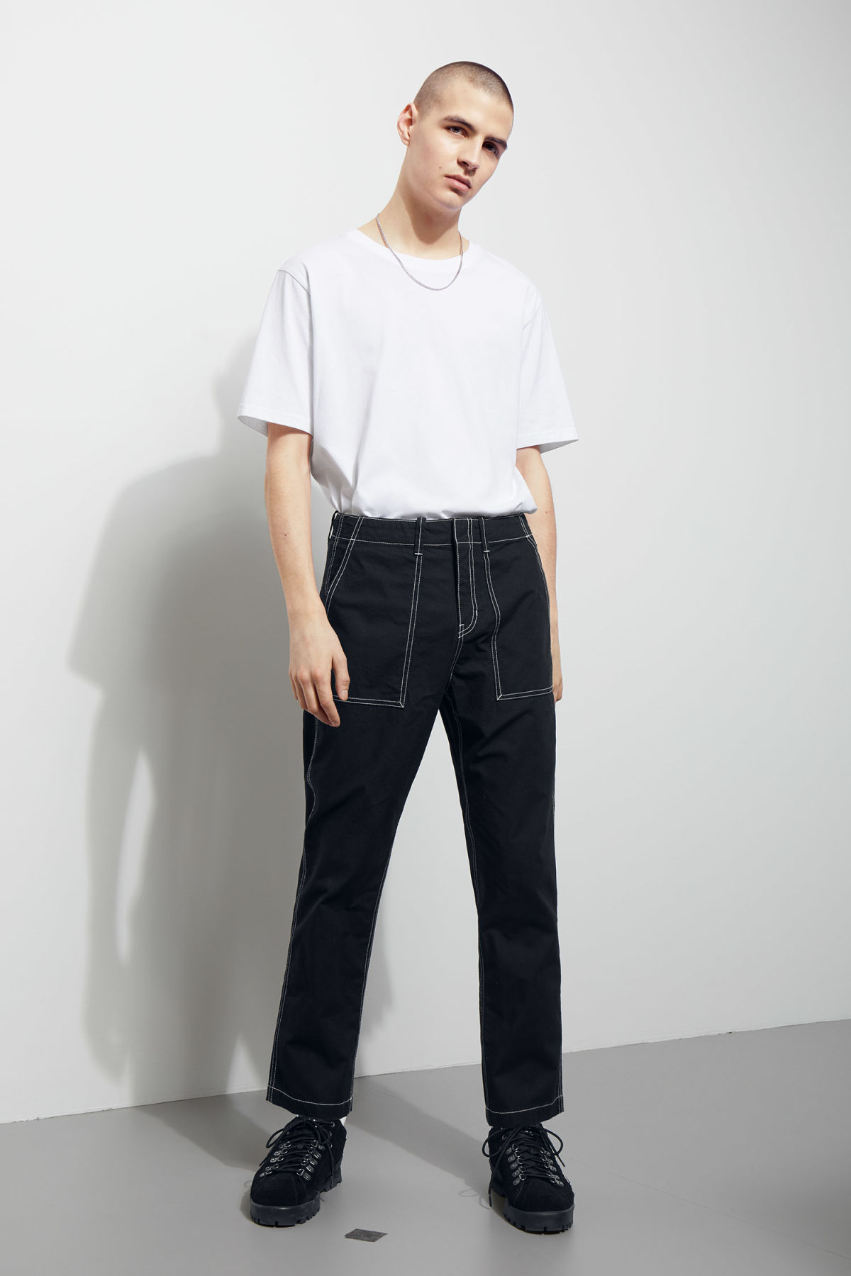 Model front image of Weekday fowler chinos in black