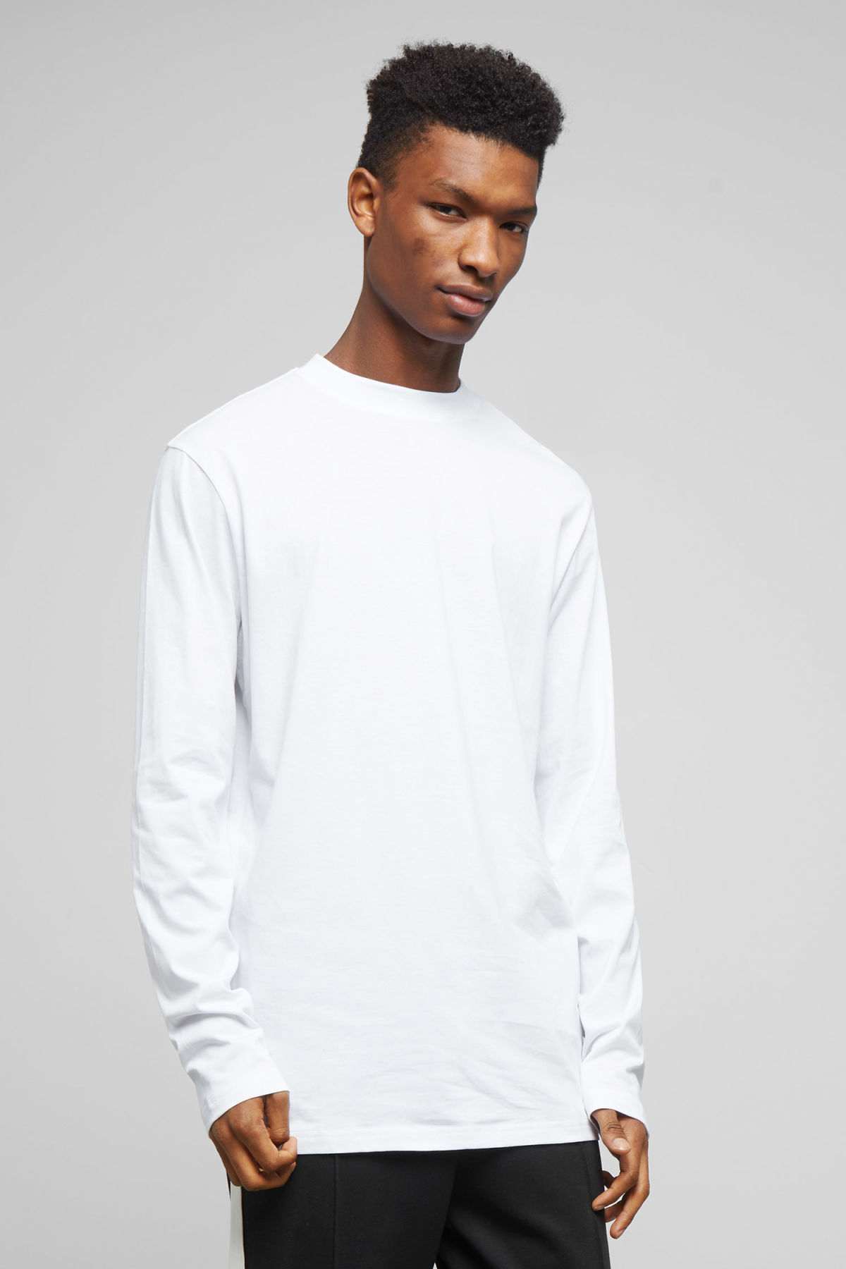 Model front image of Weekday jake long sleeve in white