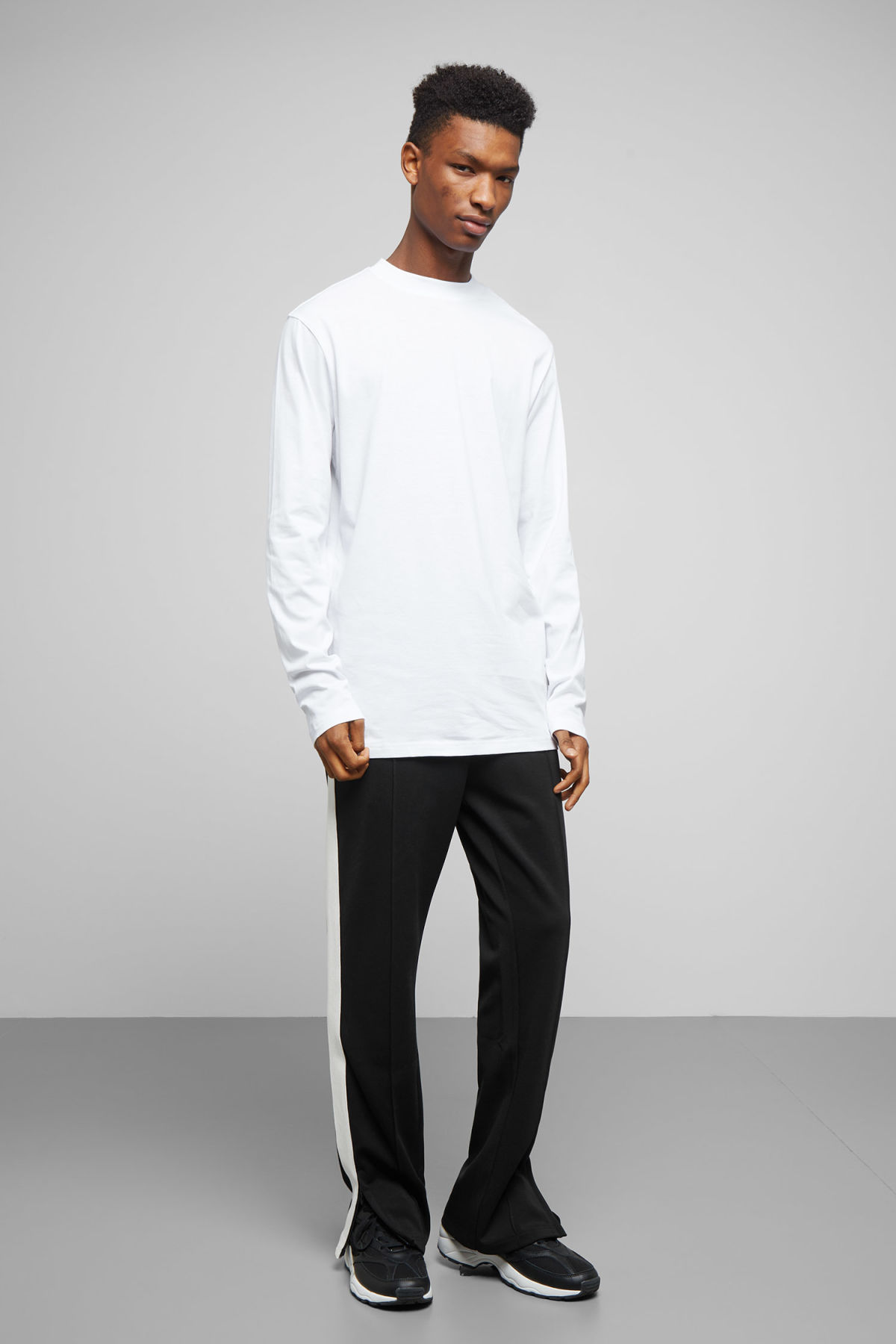 Model side image of Weekday jake long sleeve in white