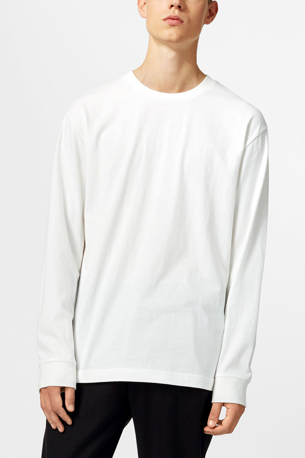 Model front image of Weekday joseph long sleeve in white