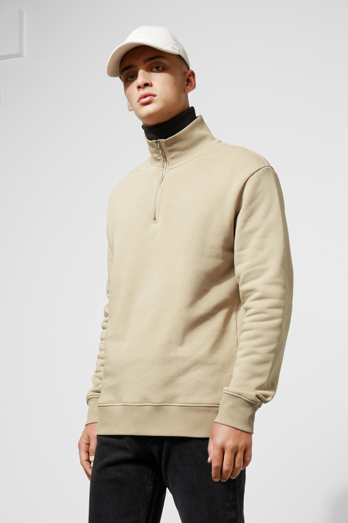 Model front image of Weekday martin zip sweatshirt  in brown