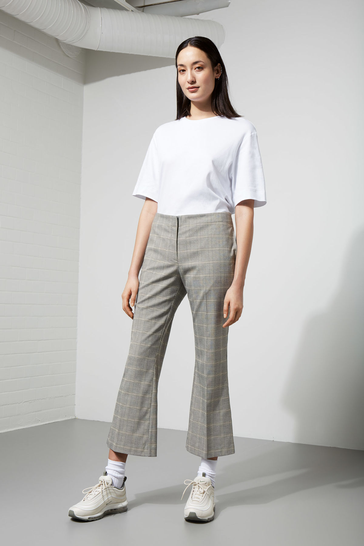 Model front image of Weekday fairy trousers in brown