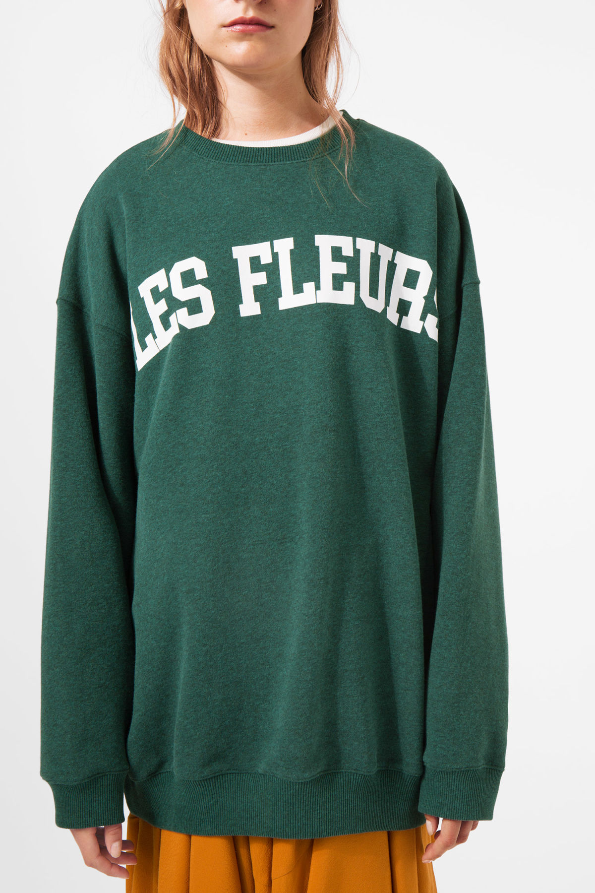 Model front image of Weekday kalin sweatshirt in green