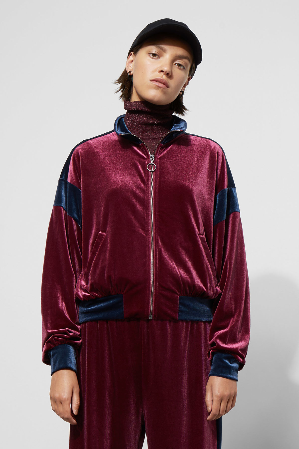 Model front image of Weekday lessie jacket in red