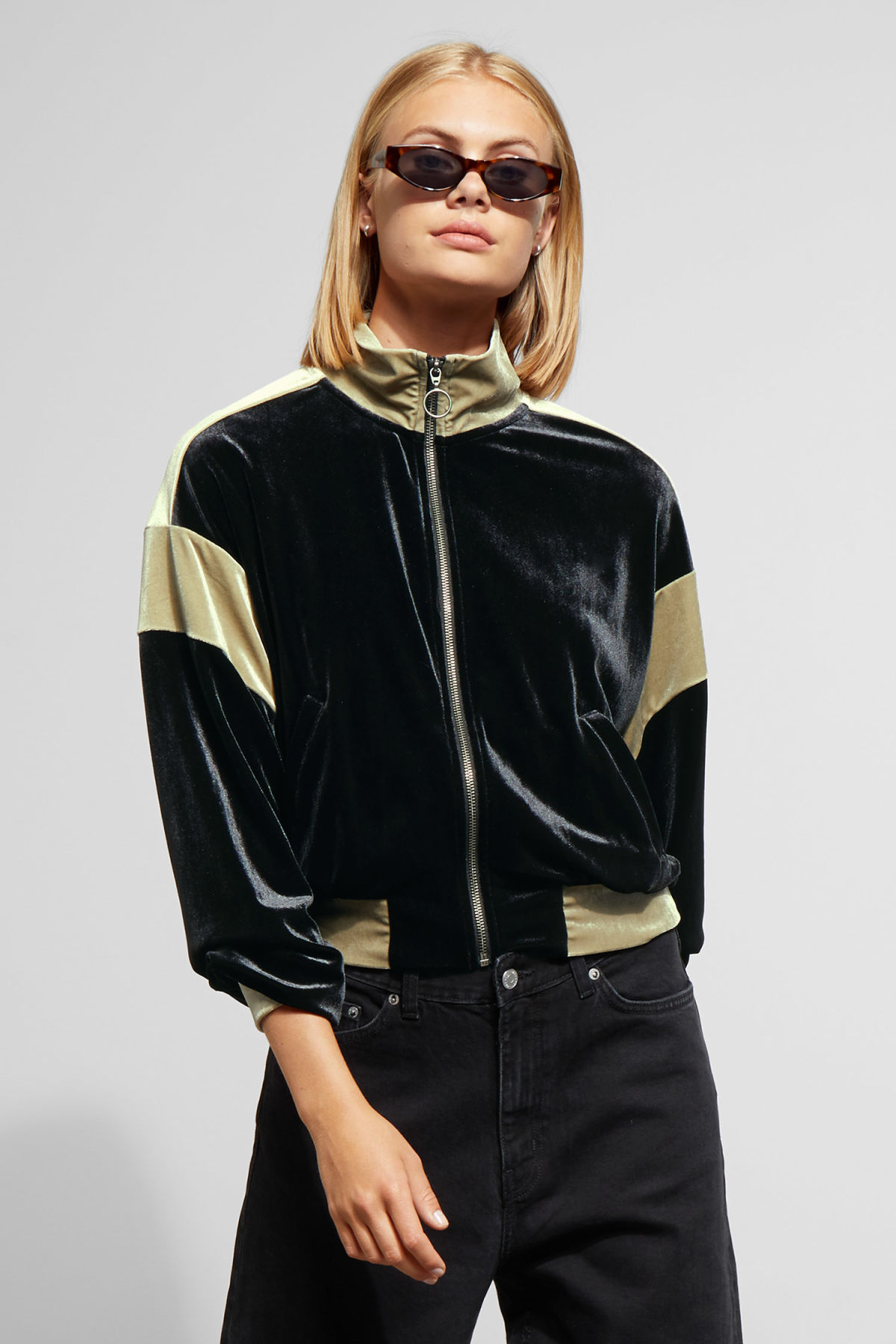Model front image of Weekday lessie jacket in black