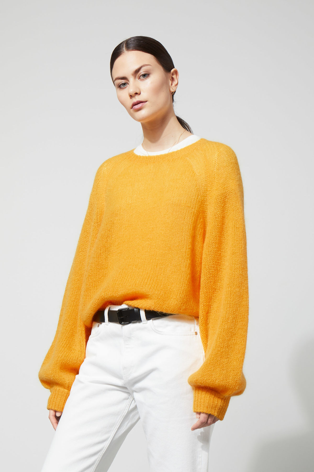 Model front image of Weekday joni sweater in yellow