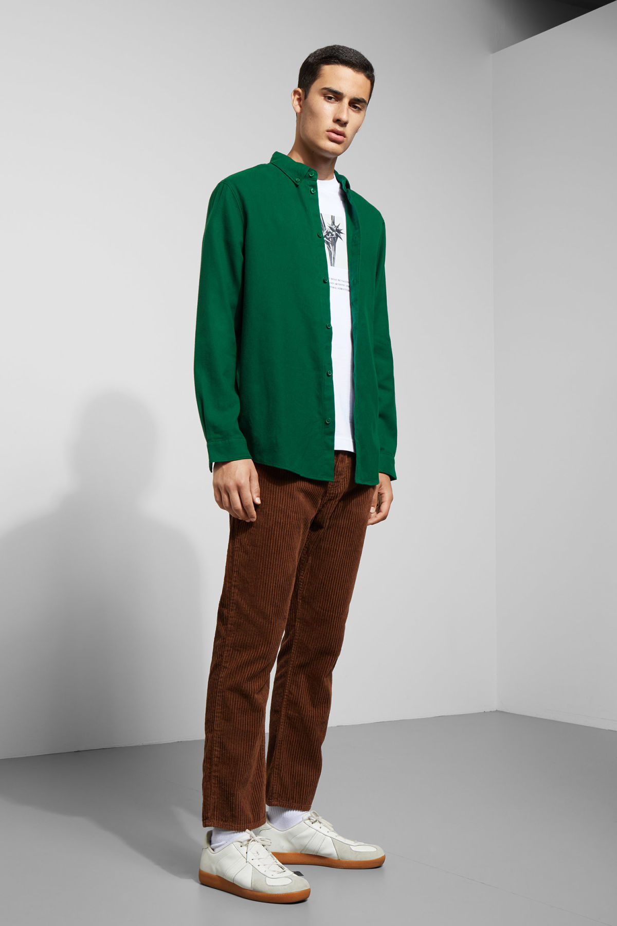 Model side image of Weekday seattle flanell shirt in green