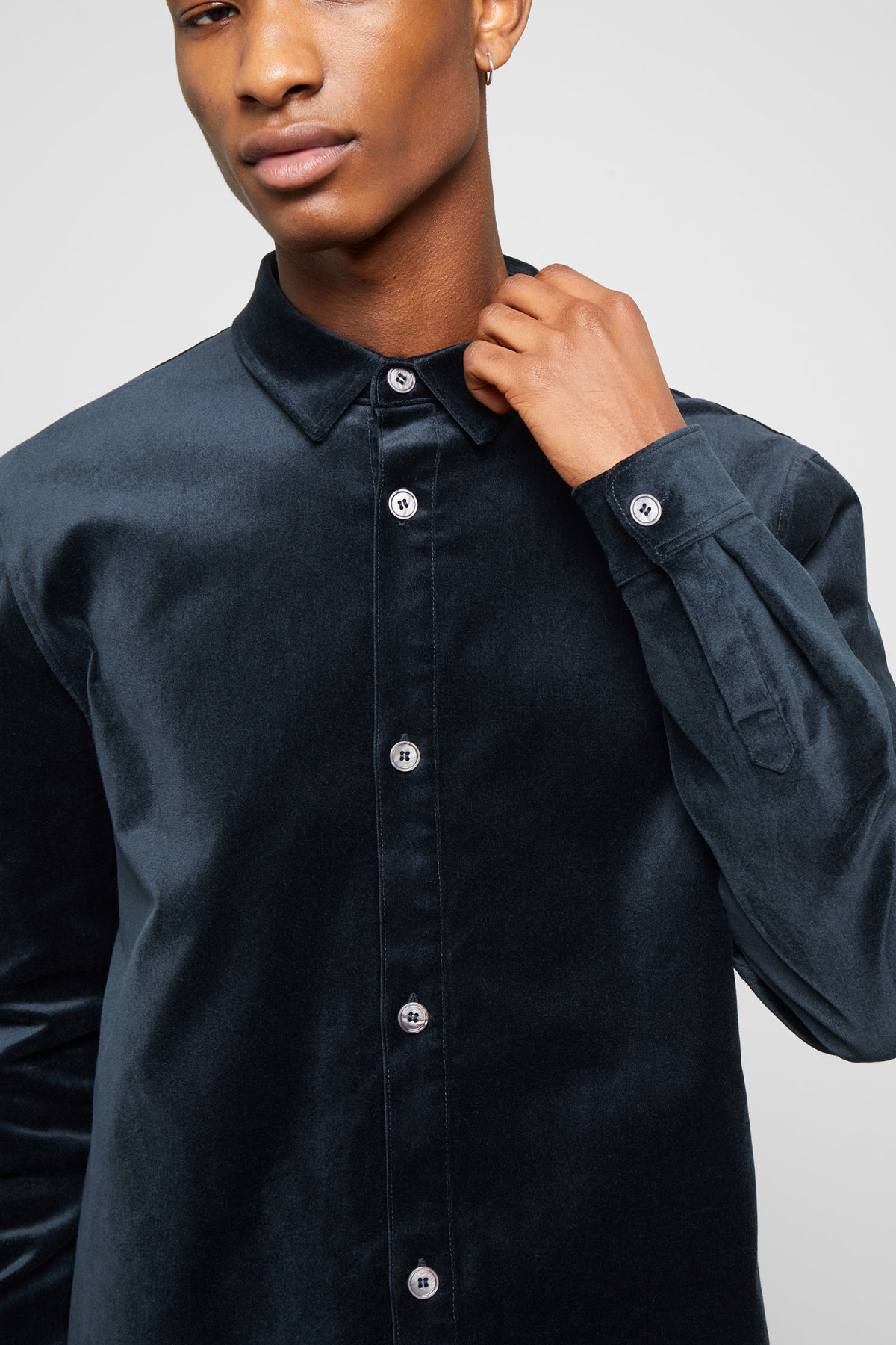 Model side image of Weekday spit velvet shirt in blue