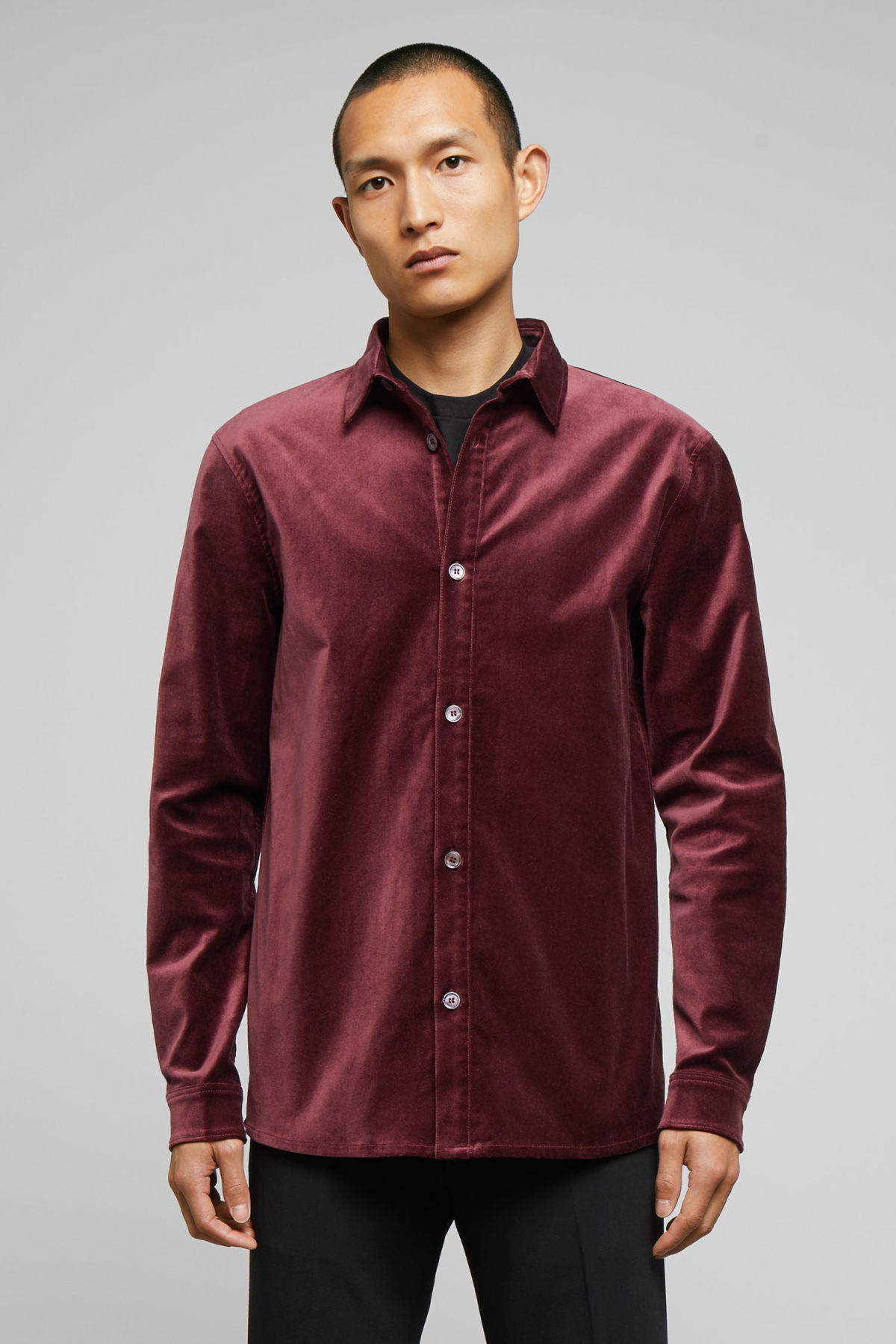 Model front image of Weekday spit velvet shirt in red