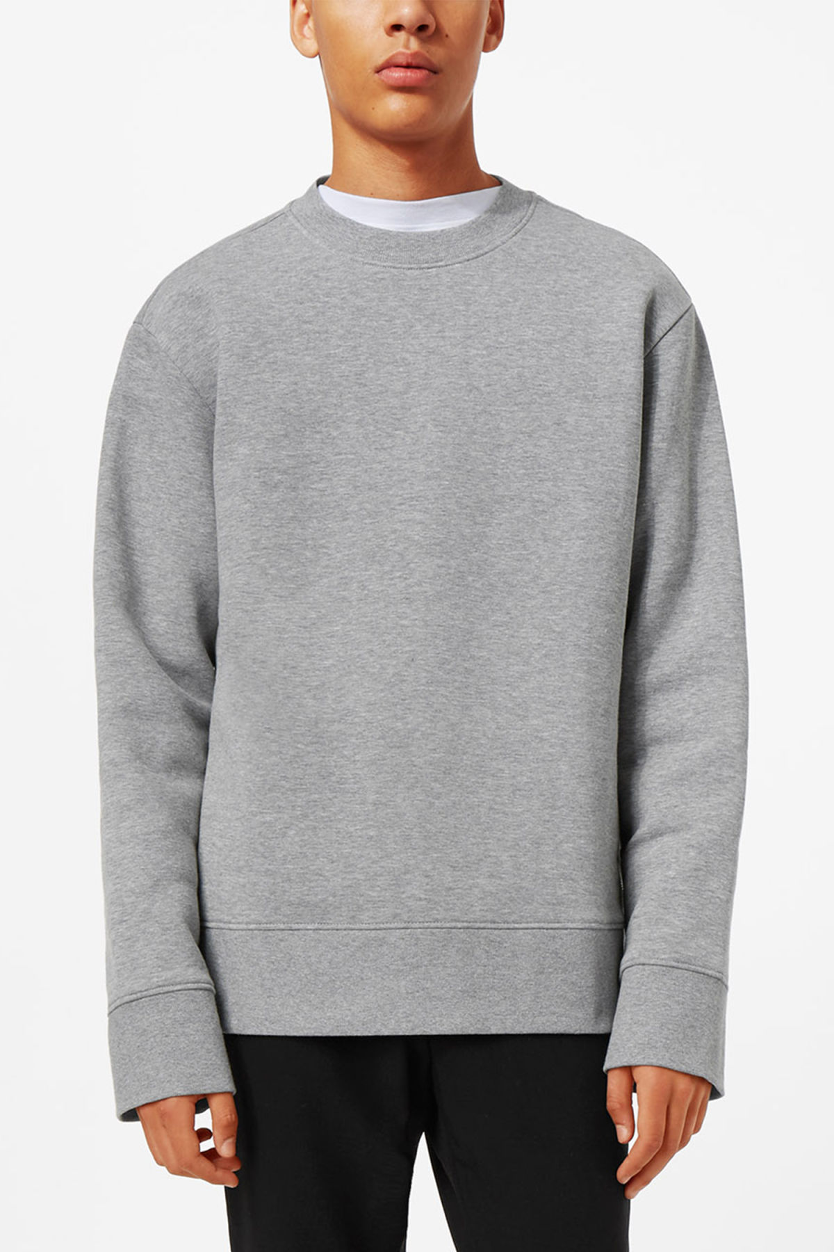 Model front image of Weekday grant zip sweatshirt in grey