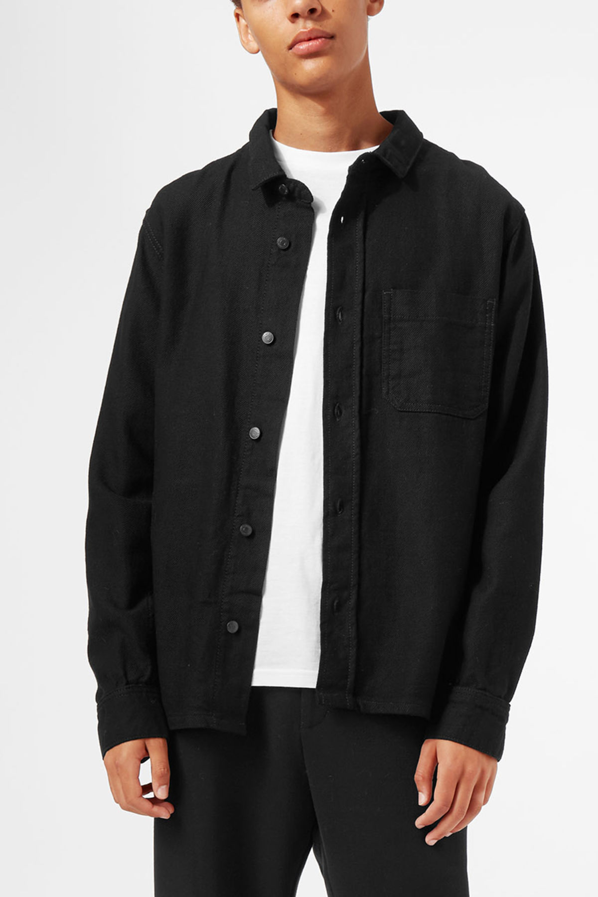 Model front image of Weekday oz shirt  in black