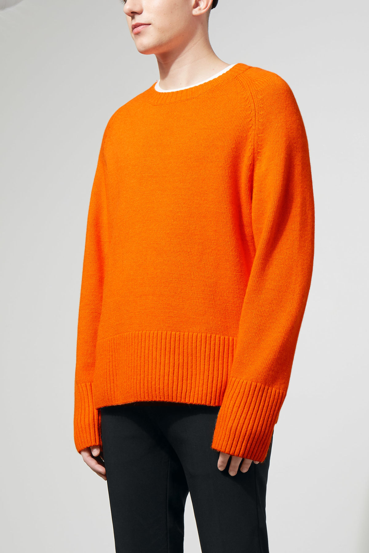 Model front image of Weekday mural sweater in orange