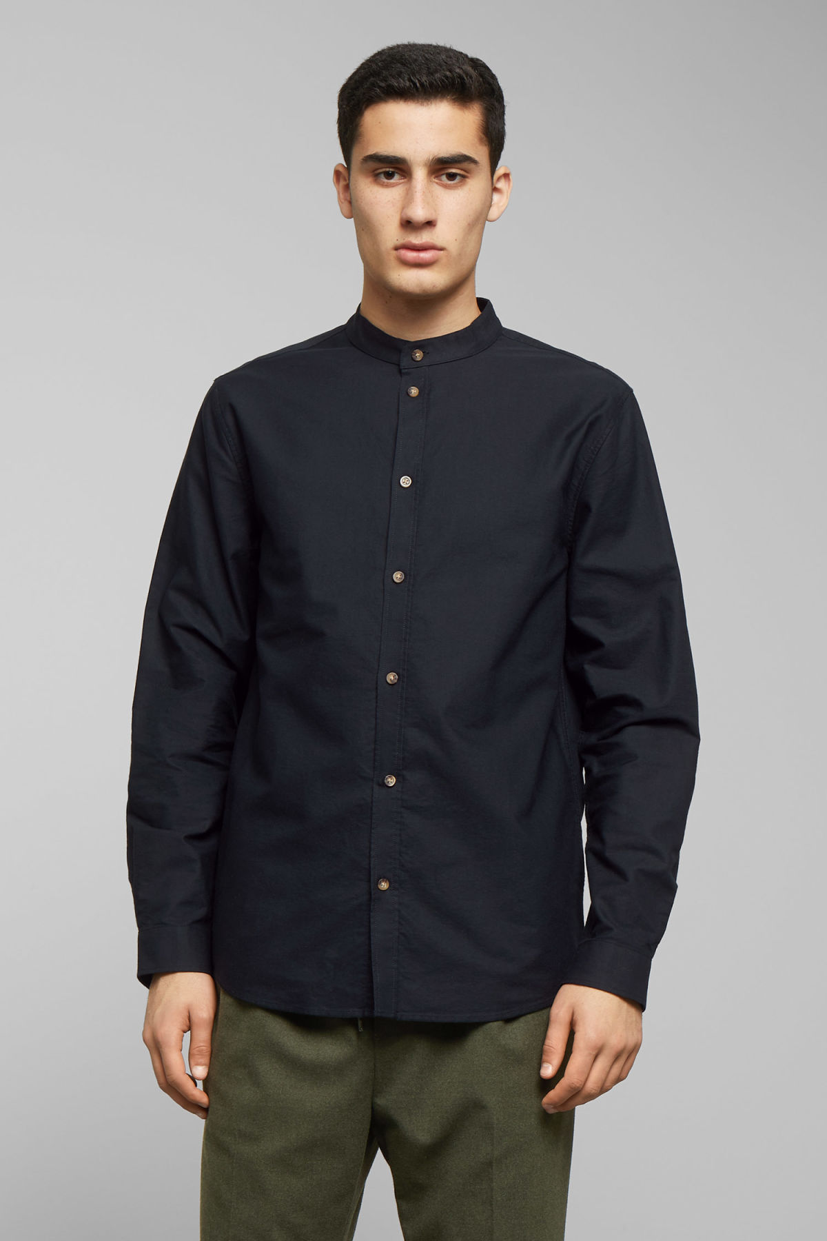 Model front image of Weekday haring collarless shirt in black