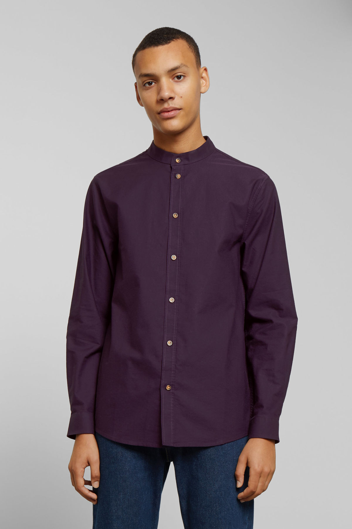 Model front image of Weekday haring collarless shirt in purple