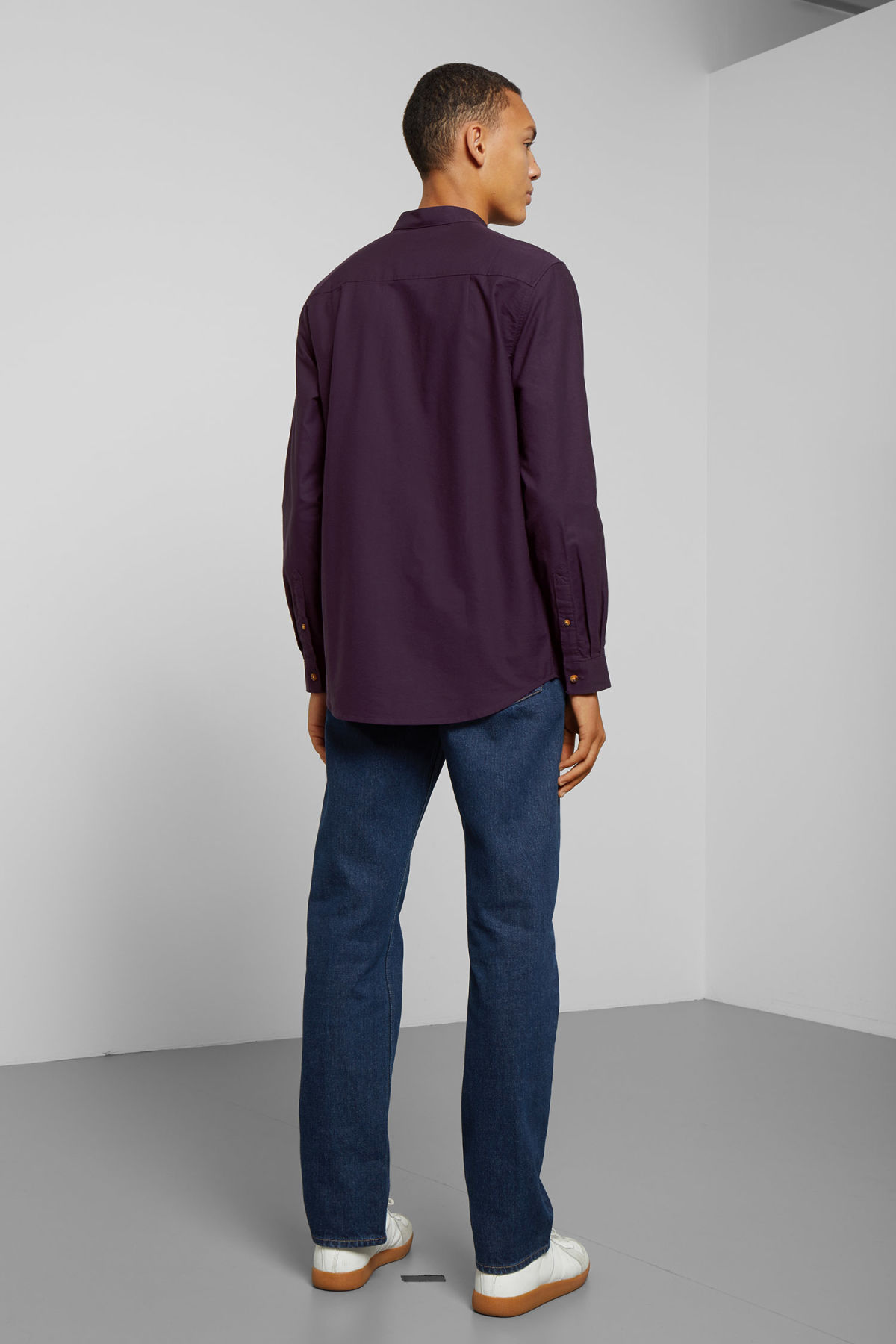 Model back image of Weekday haring collarless shirt in purple