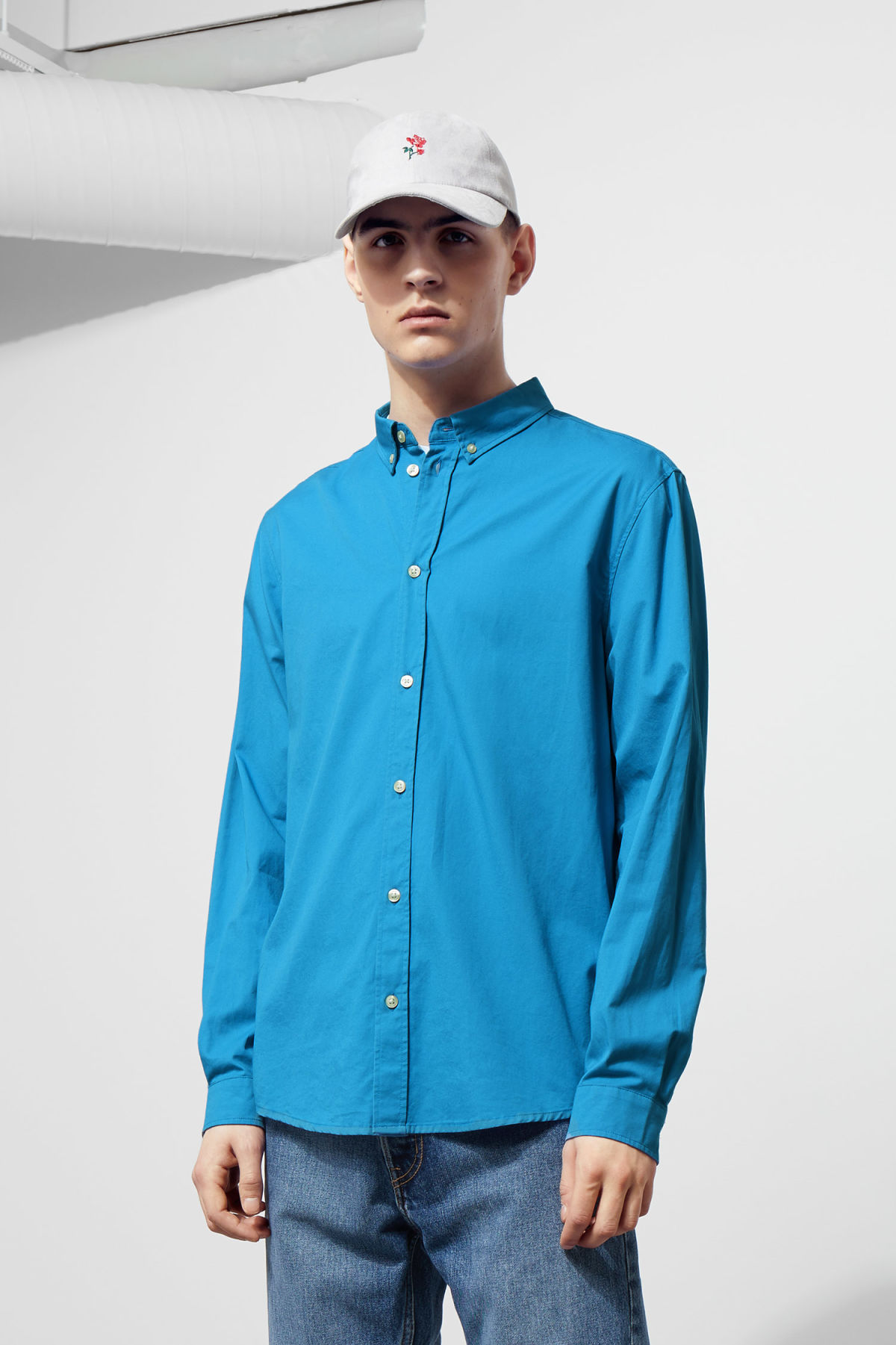 Model front image of Weekday seattle twill shirt  in blue