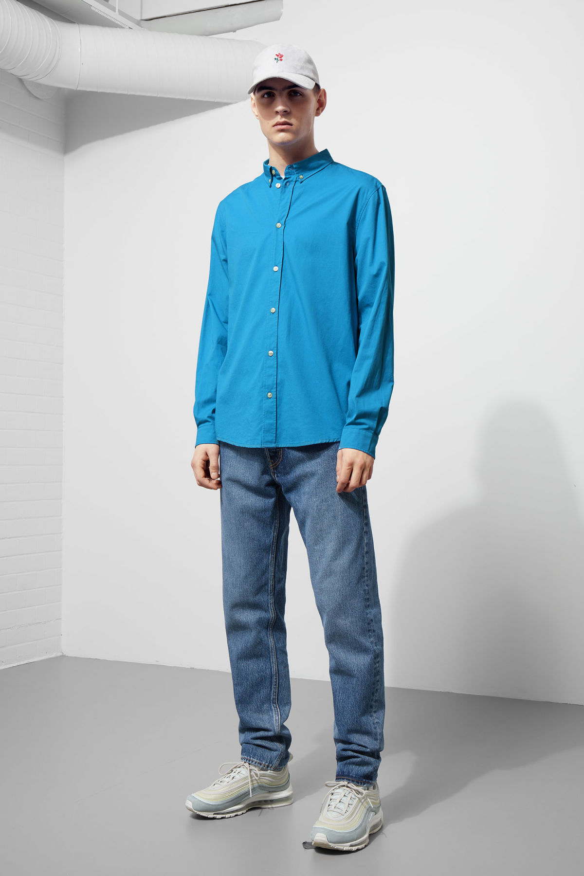 Model side image of Weekday seattle twill shirt  in blue