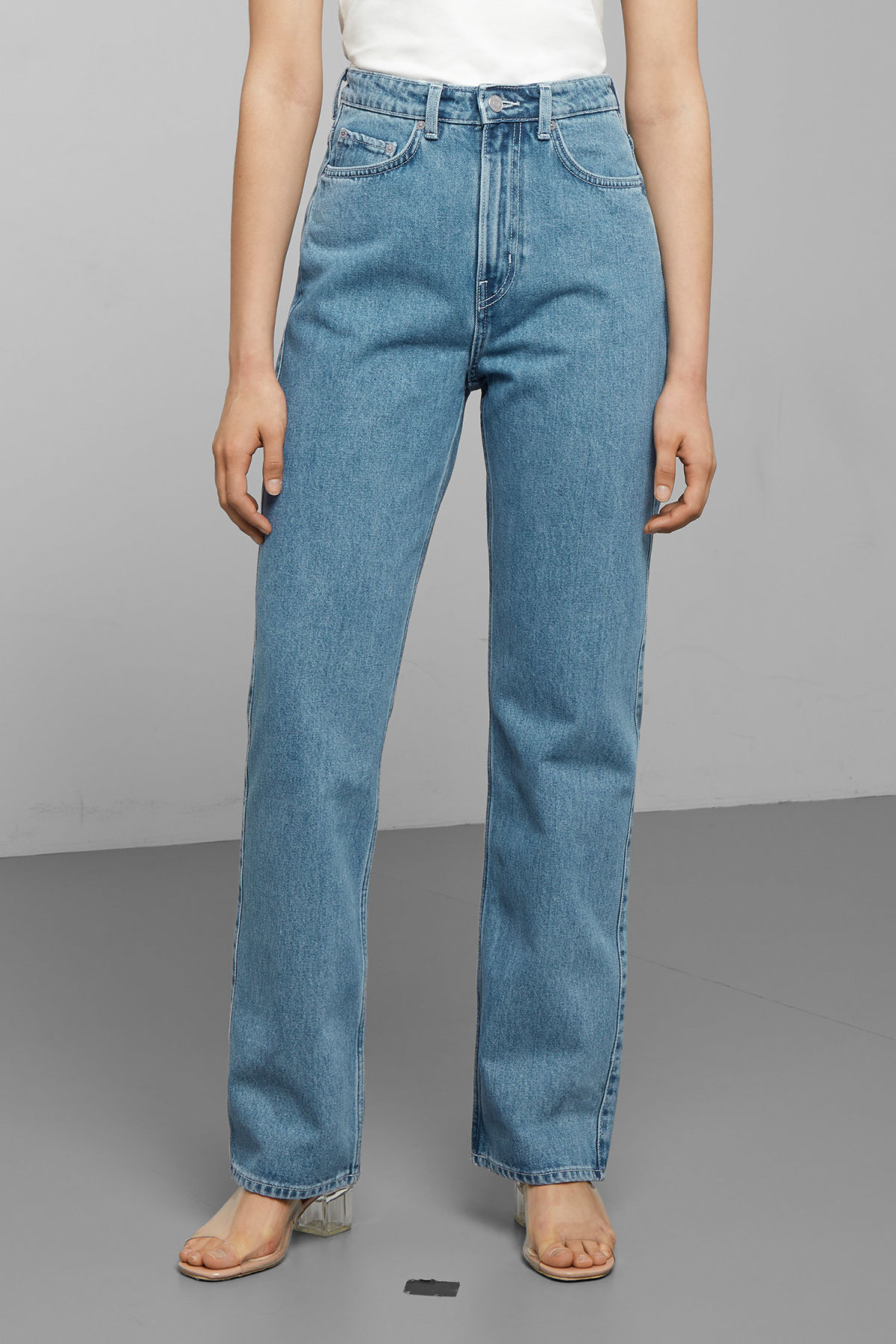 Model side image of Weekday row sky blue jeans in blue