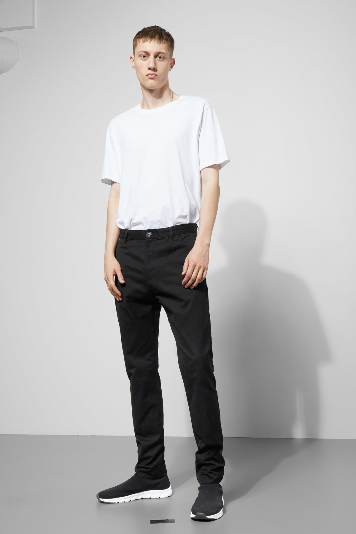 Model front image of Weekday forest chinos in black