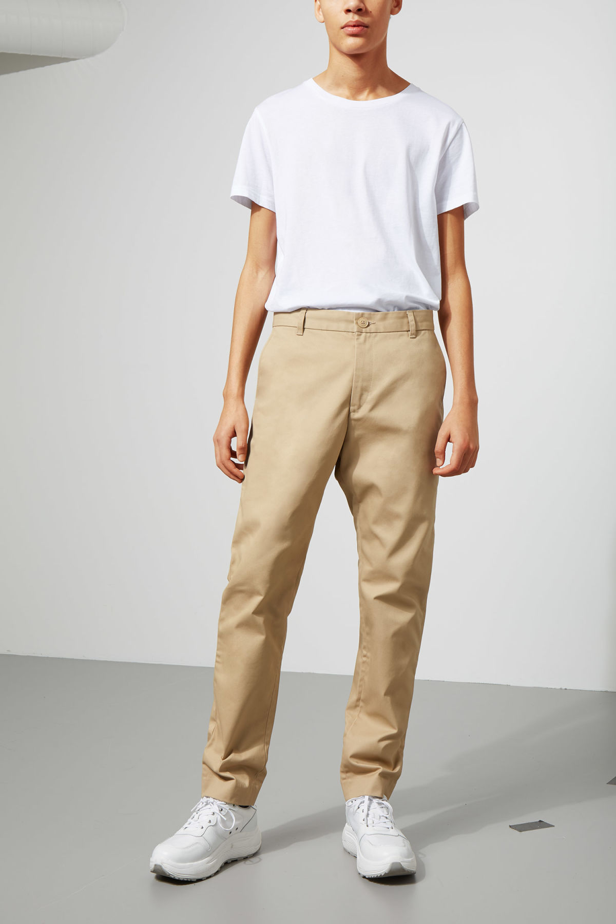 Model front image of Weekday forest chinos in beige