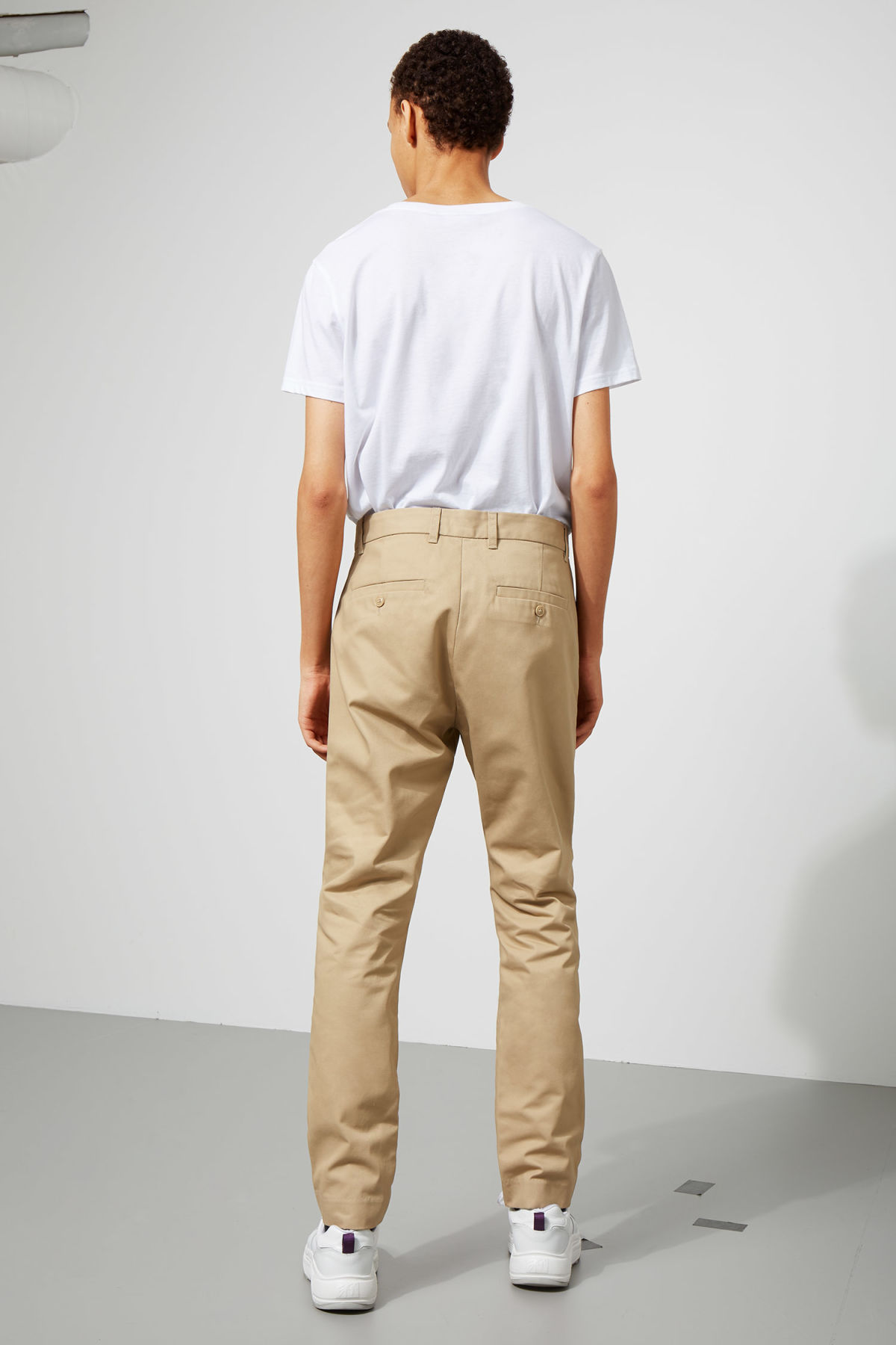 Model back image of Weekday forest chinos in beige