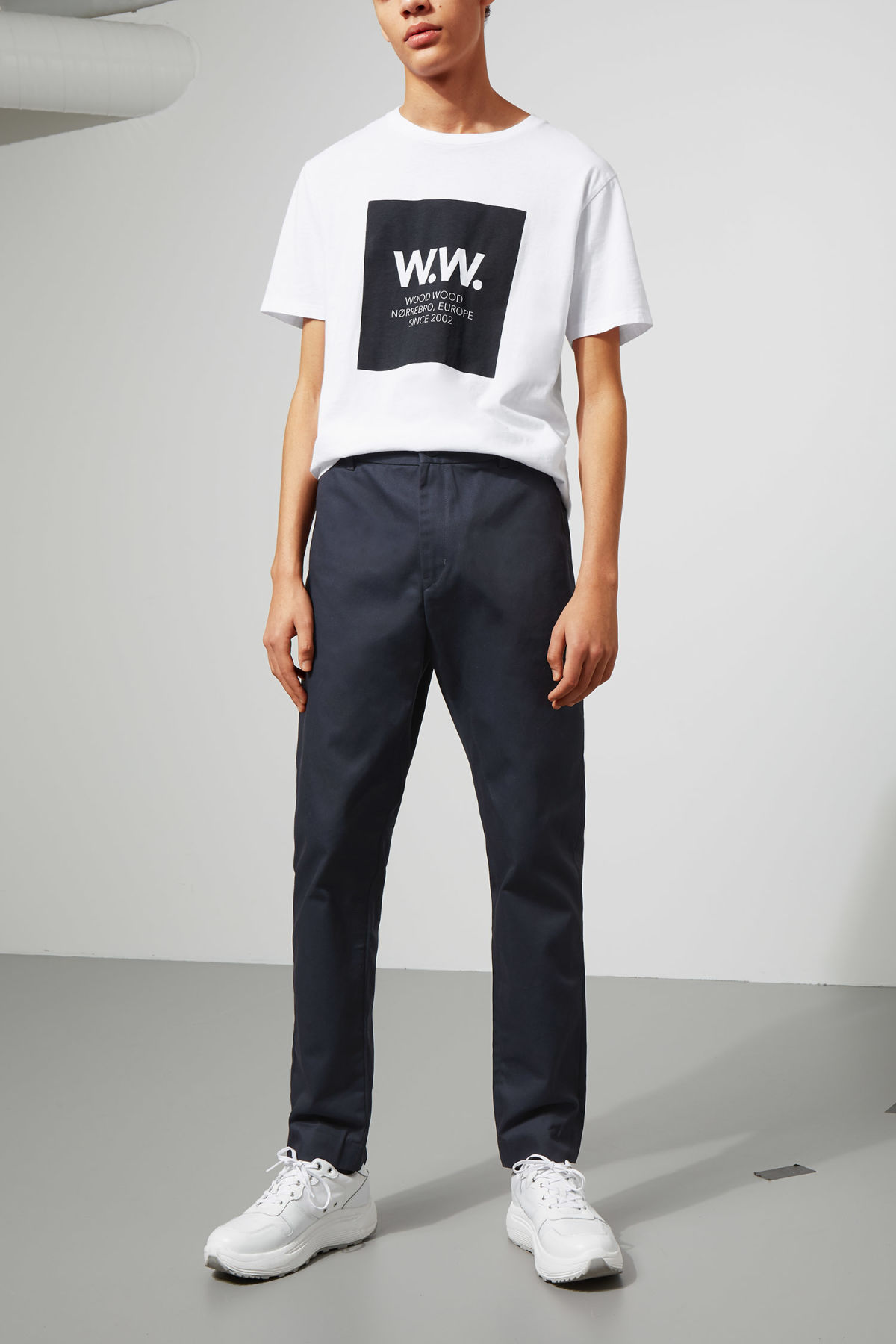 Model front image of Weekday forest chinos in blue