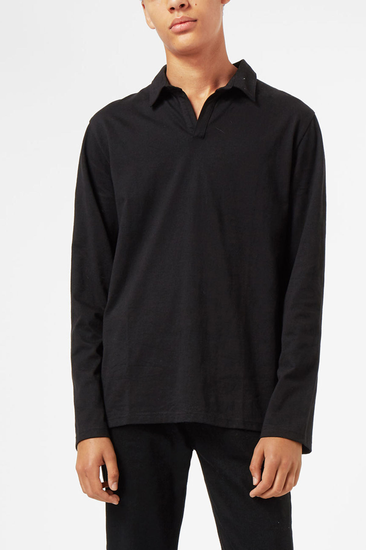 Model front image of Weekday pop polo long sleeve in black