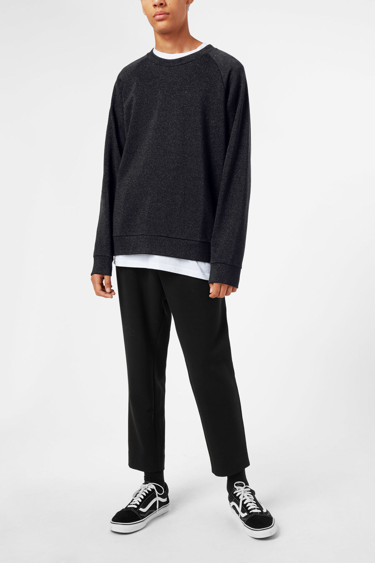 Model front image of Weekday curt glitter sweatshirt in black