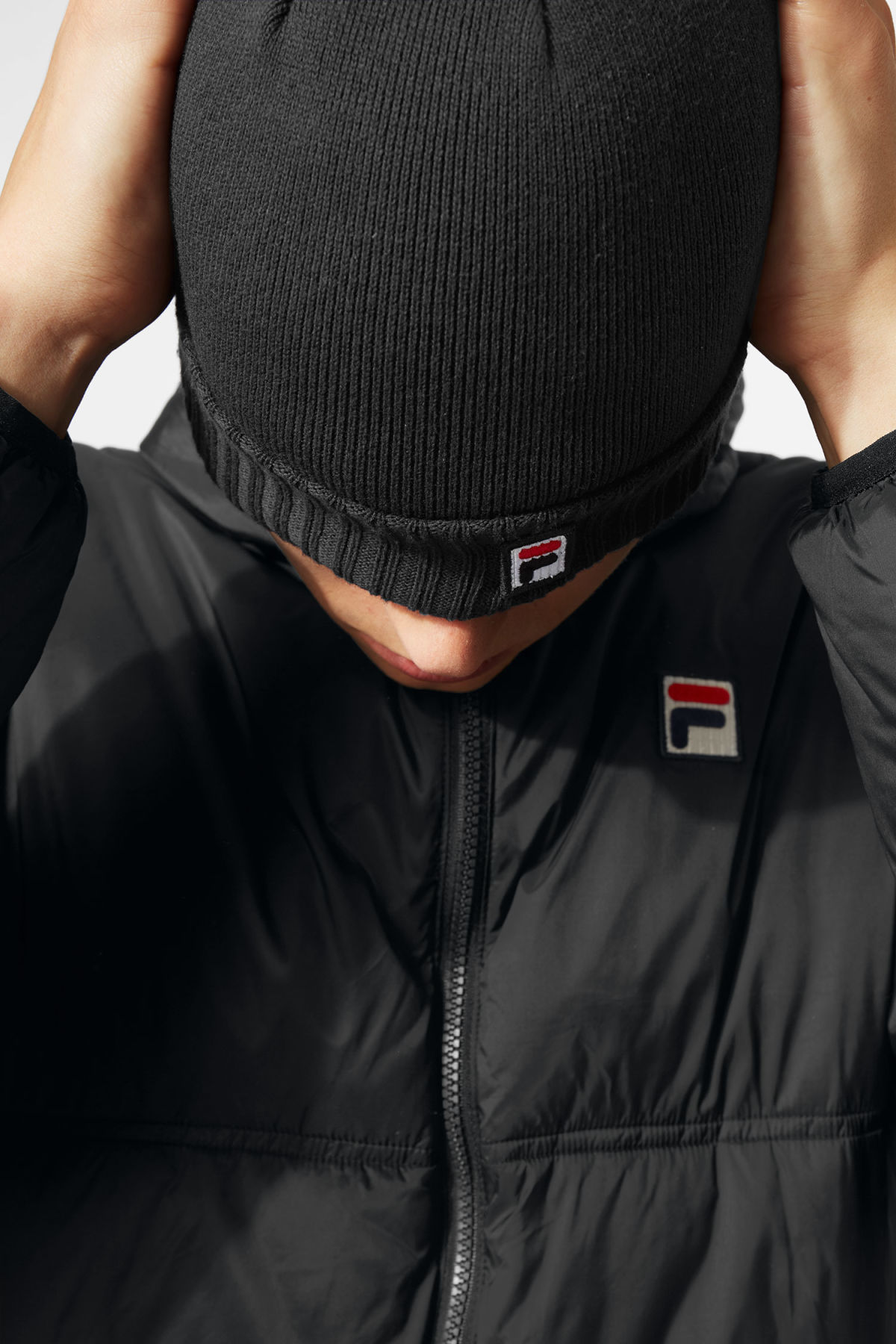Model front image of Weekday  beanie in black