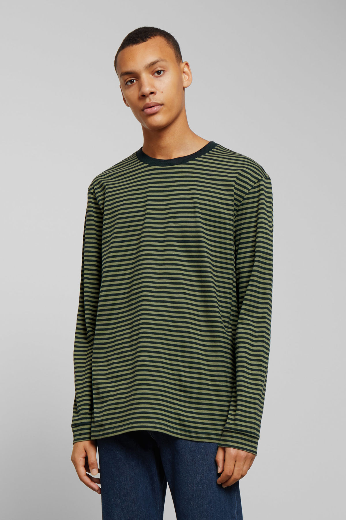 Model front image of Weekday leonardo stripe long sleeve in green