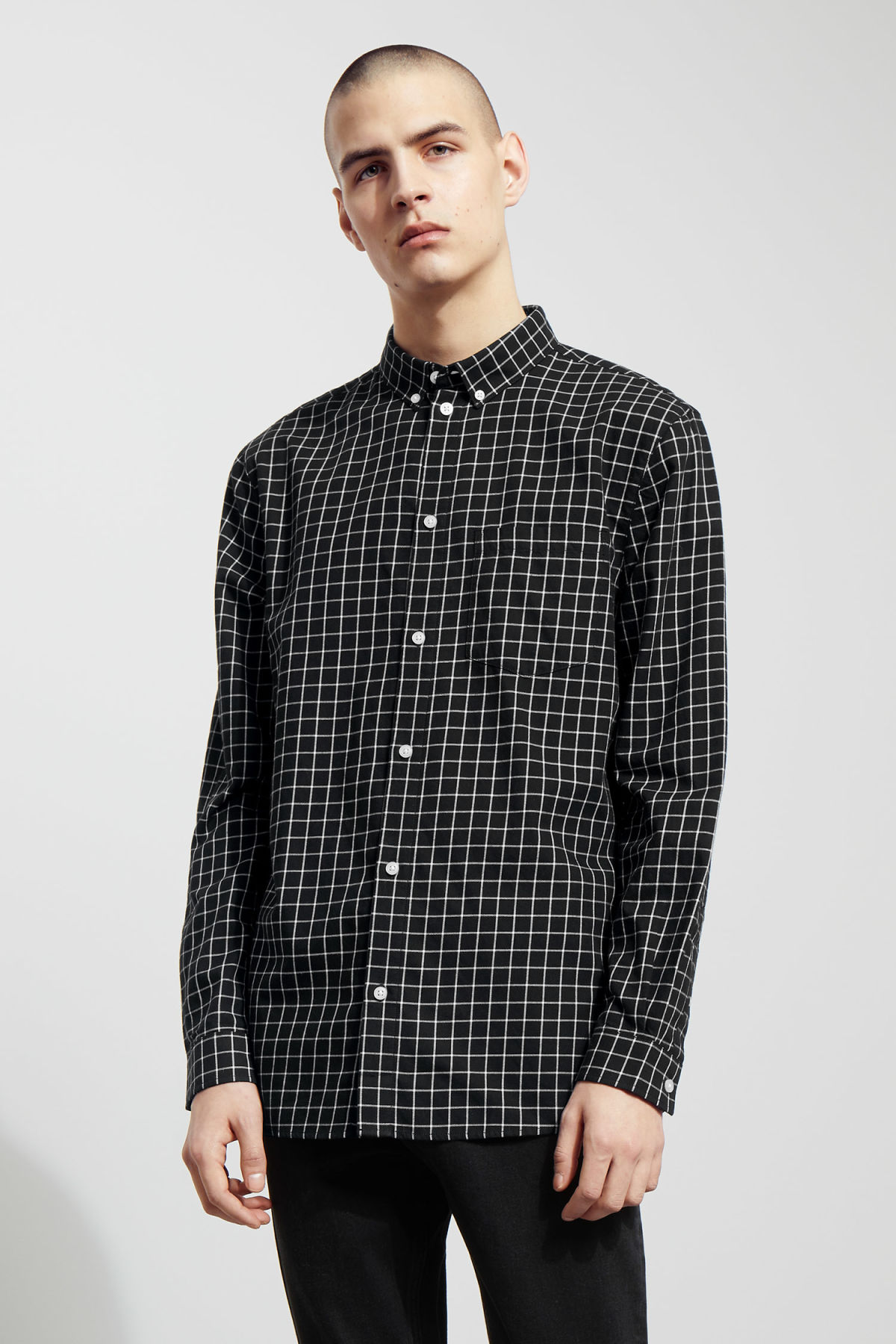 Model front image of Weekday ray windowpane shirt in black