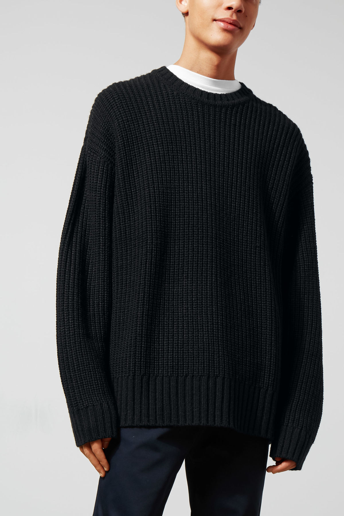 Model front image of Weekday dieago sweater in black