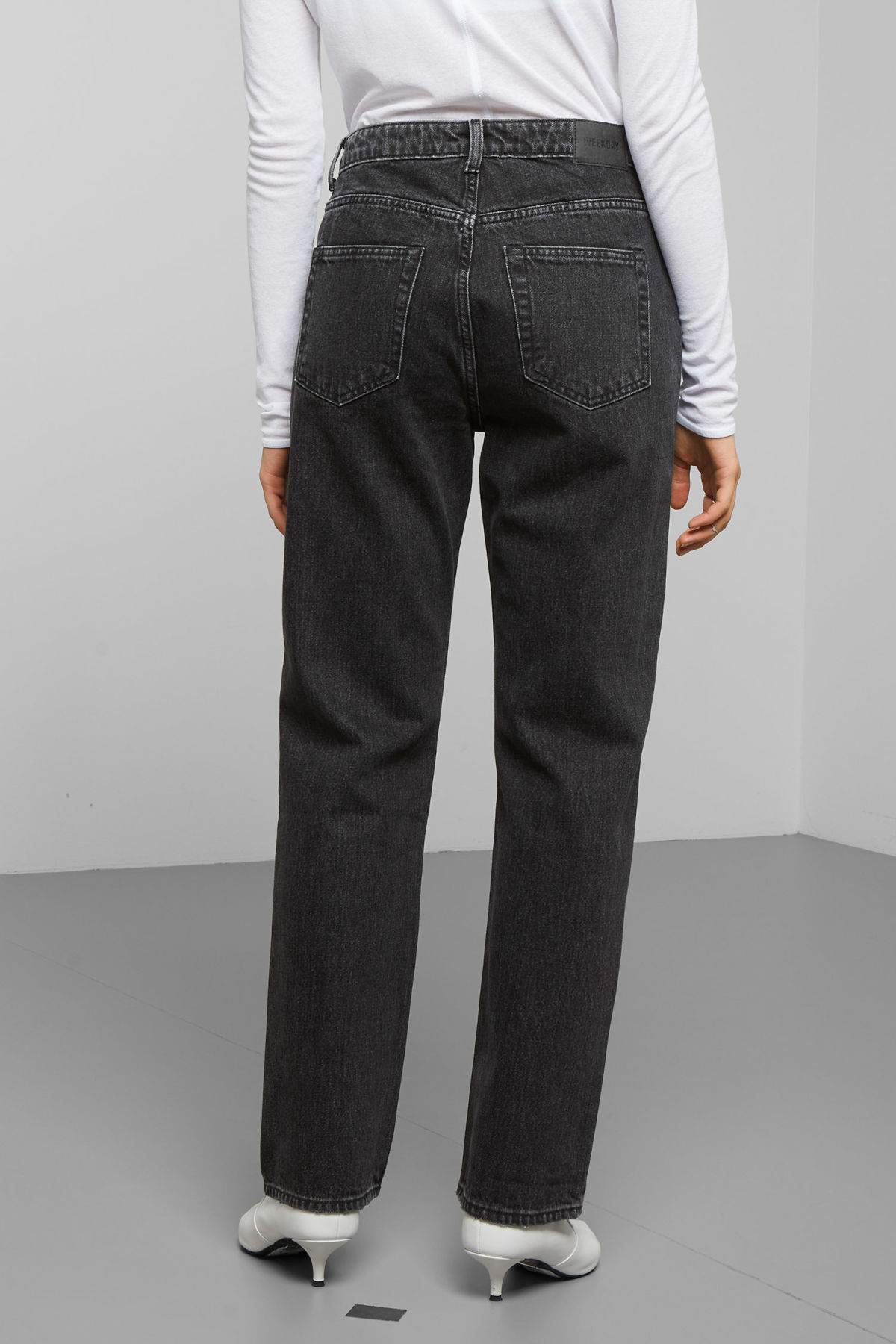 Model side image of Weekday voyage trotter black jeans in black