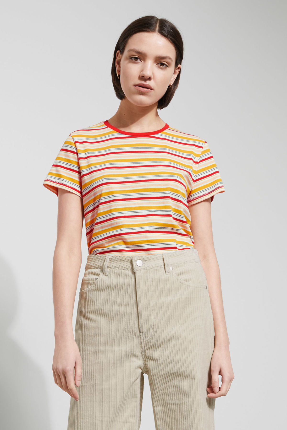 Model front image of Weekday tagan tee in yellow