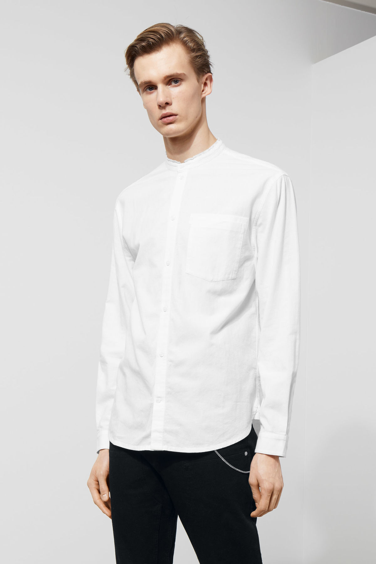 Model front image of Weekday rose shirt in white