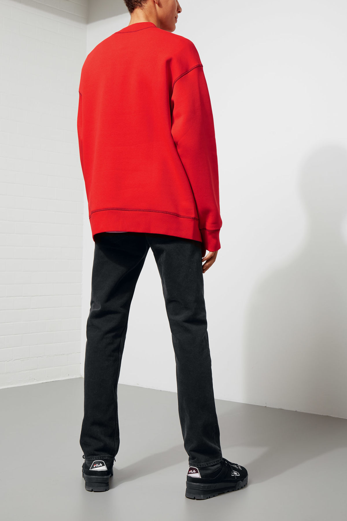 Model back image of Weekday syntax sweatshirt in red