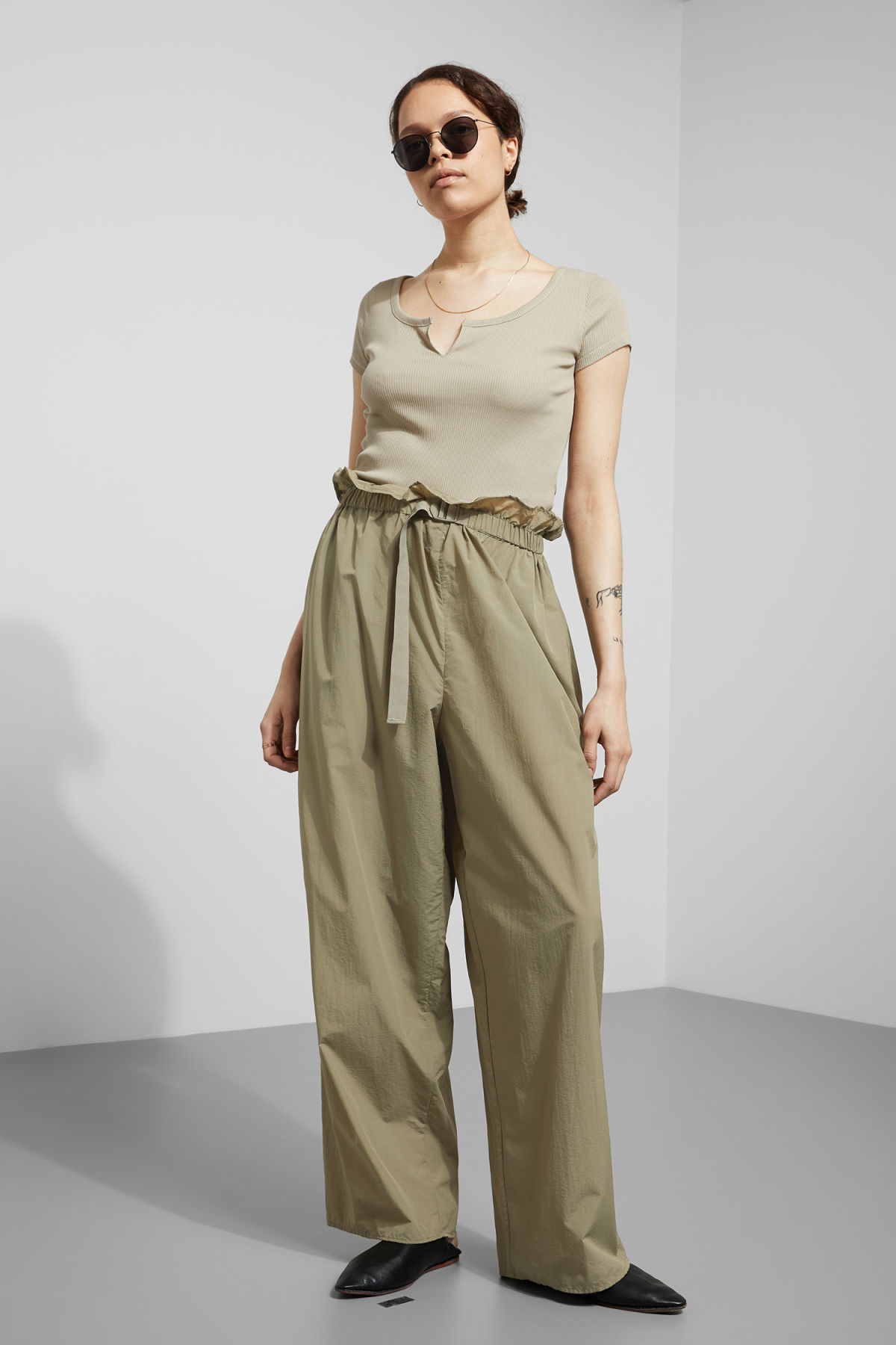 Weekday Symphony Trousers - Green Pas Cher Pour Pas Cher Prix Pas Cher En Ligne Prix Très Pas Cher XDhF9fqMq
