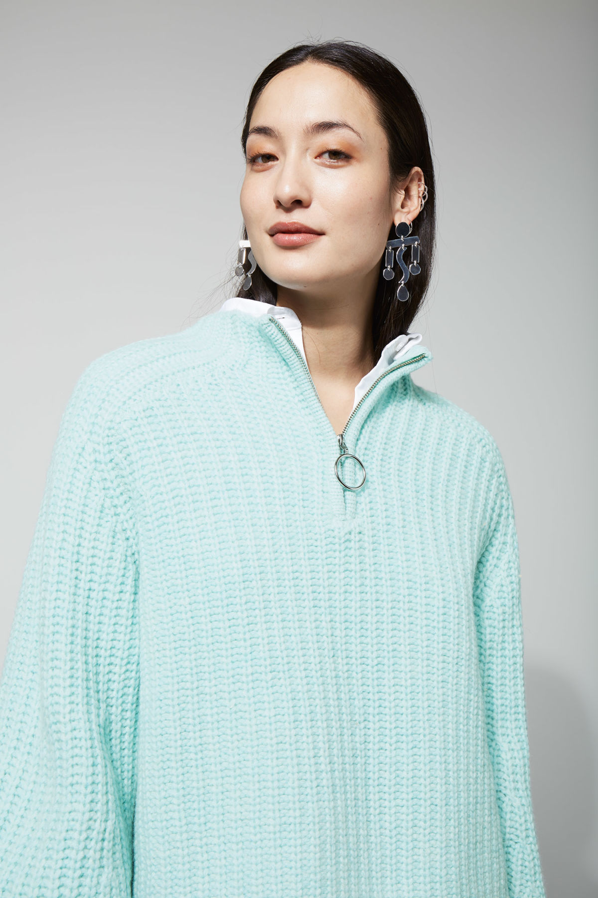 Model front image of Weekday aurora sweater in turquoise