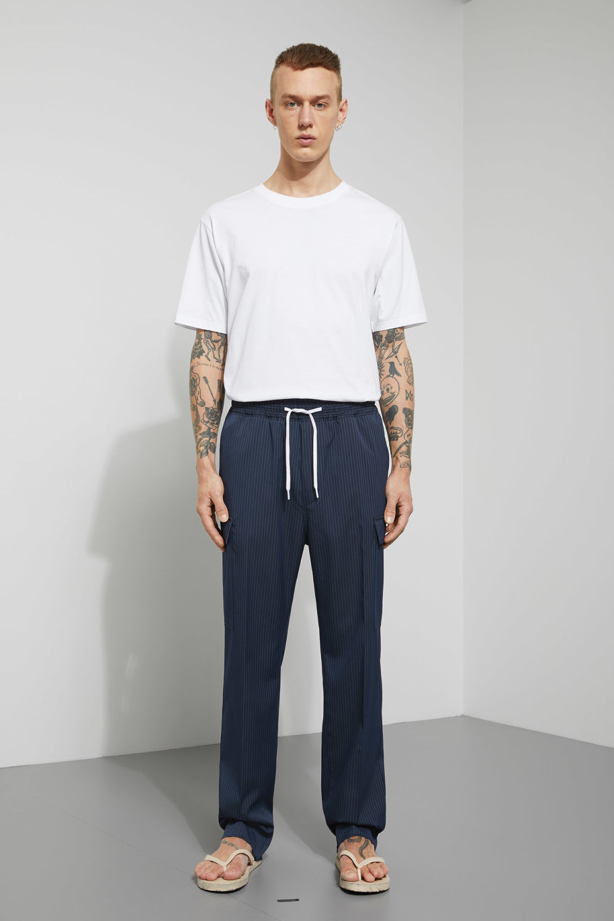 Model front image of Weekday amity woven joggers  in blue