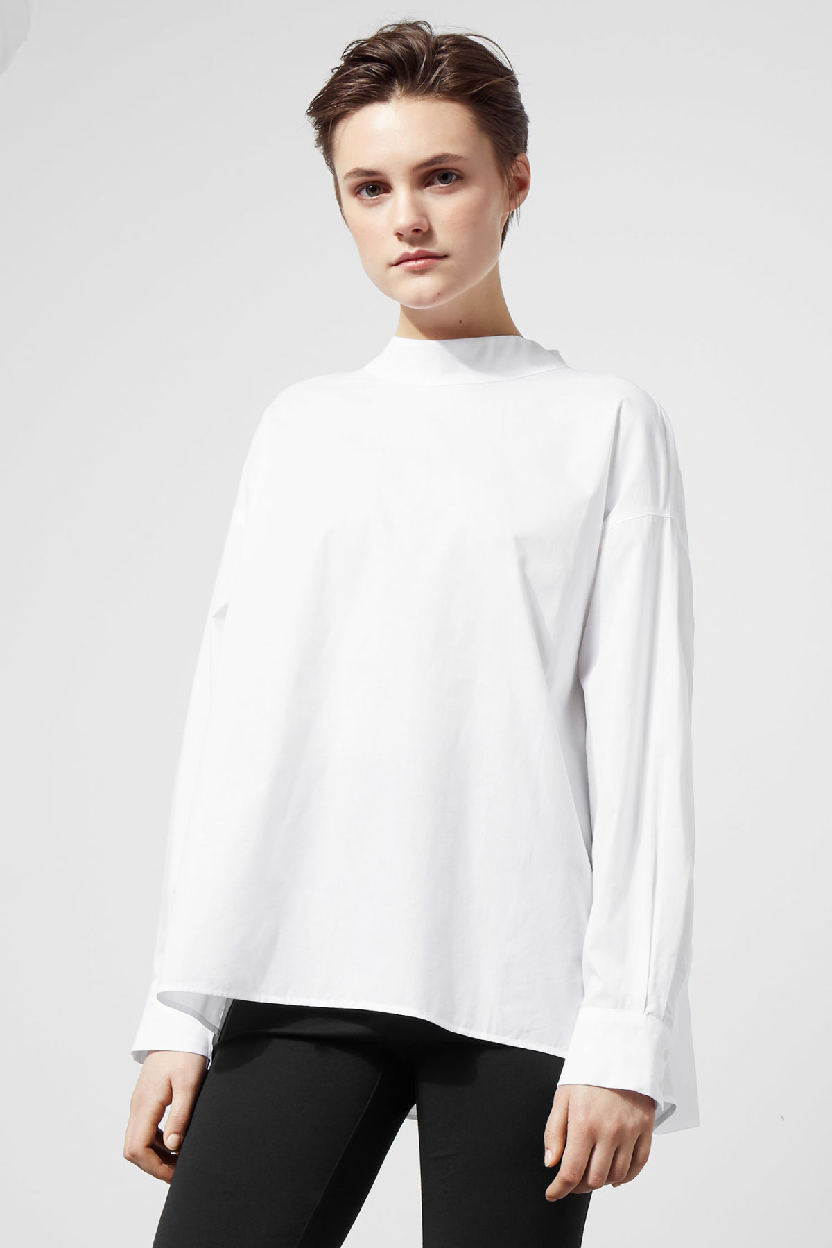 Model front image of Weekday pablo blouse in white