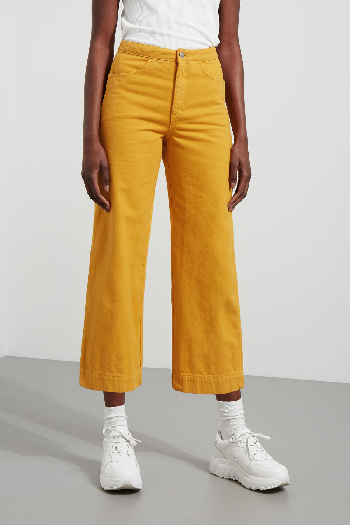 Model front image of Weekday vida yellow denim trousers in yellow