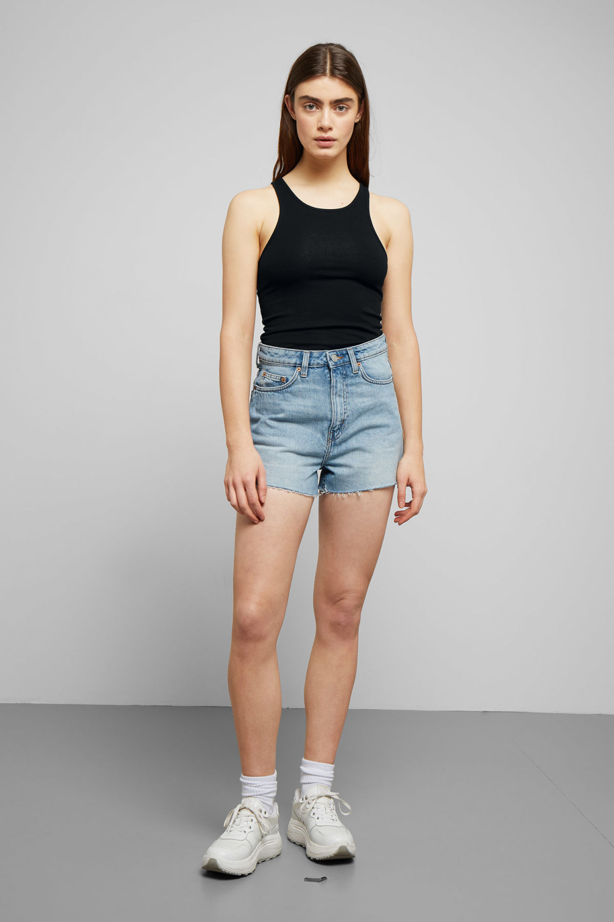 Model front image of Weekday row spring blue shorts in blue