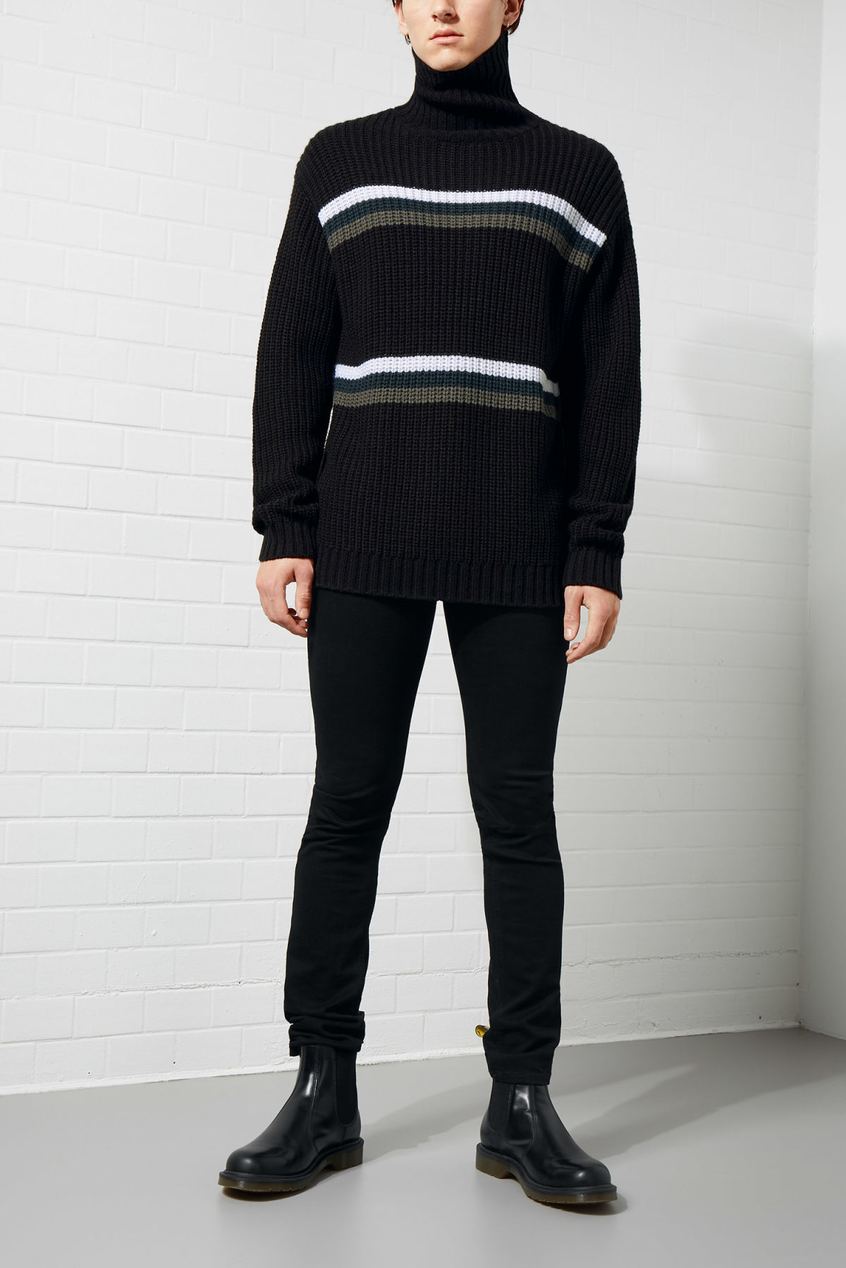 Model front image of Weekday loop turtleneck sweater in black